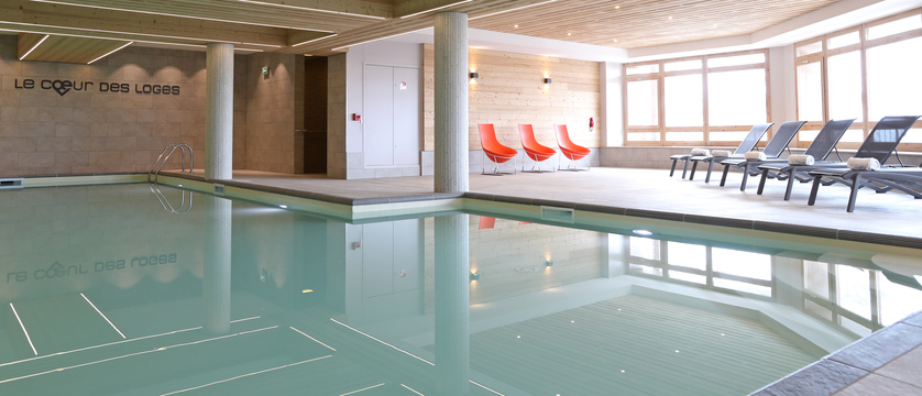 france_three-valleys-ski-area_les-menuires_residence-le-coeur-des-loges_indoor-pool.jpg